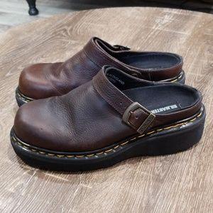 Vintage Dr.Martens brown leather platform clogs 7